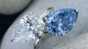 «Величественные» и «превосходные» украшения на аукционах «Сотбис» и «Кристи»