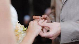 Слетело кольцо с пальца: что гласит примета?