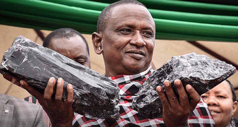 На шахте в Танзании найдены 2 огромных кристалла танзанита