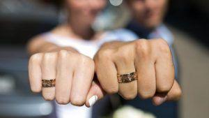 Как носят обручальные кольца в разных странах