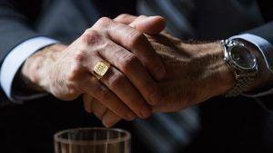 Как мужчине выбрать обручальный перстень или кольцо-печатку