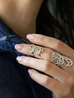 Кому подходят серебряные кольца на фаланги: особенности, виды и преимущества