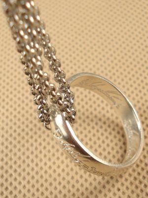 фото кольца на цепочке