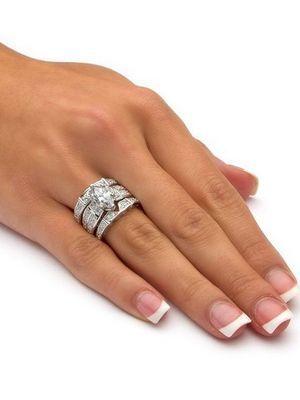 необычная форма обручального кольца