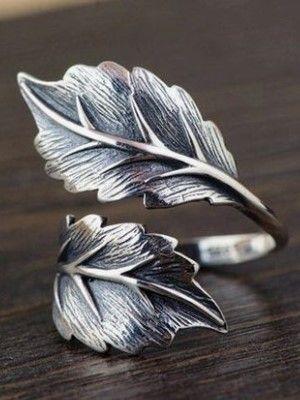 серебряное черненое кольцо с лепестками