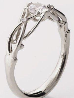 тонкое кольцо с камнем