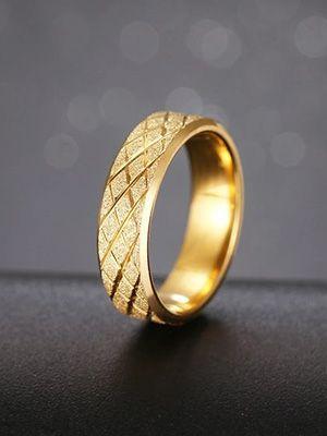 кольцо с алмазной гранью ромбами