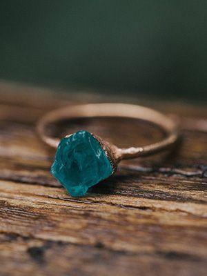 медное обручальное кольцо с голубым апатитом
