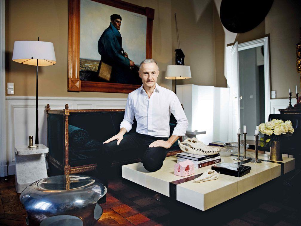 Ювелирный дизайнер Эрве ван дер Стратен рассказывает про любимую куртку, парфюм и место отдыха