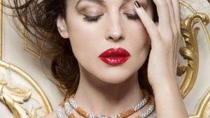 Моника Белуччи рекламирует украшения фирмы Картье
