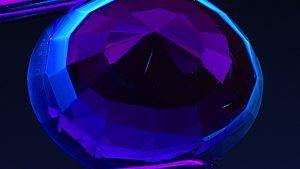 Ультрафиолетовая флуоресценция для диагностики ювелирных камней