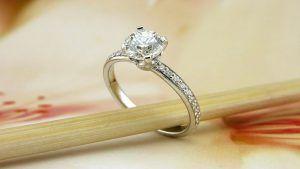 Как помолвочное кольцо стало необходимостью