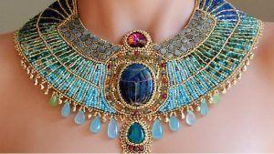 Египетские украшения: какие бывают и кому подходят