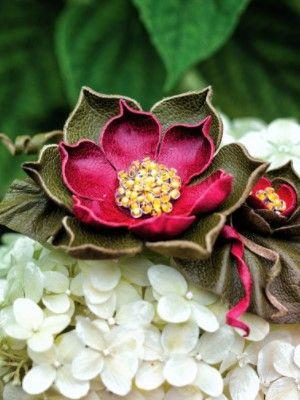 украшение в виде цветка