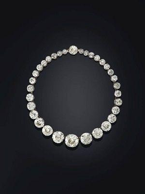 колье из бриллиантов