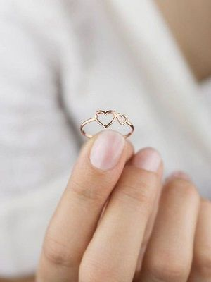красивое кольцо в подарок