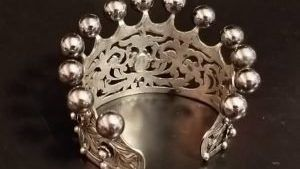 Calla Gold: как надеть браслет-манжету