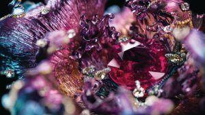 Цветные драгоценные камни снова в тренде