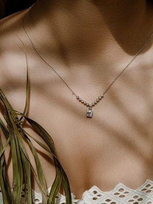 Серебряные украшения с бриллиантами