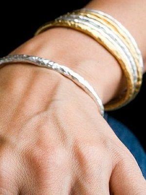 Золотые и серебряные браслеты