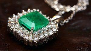Советы опытного дилера по покупке драгоценных камней
