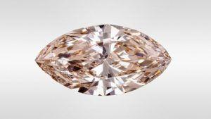 Редкая обработка розового синтетического алмаза