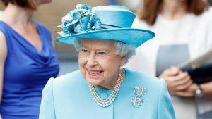 5 брошей королевы Елизаветы II: истории их возникновения