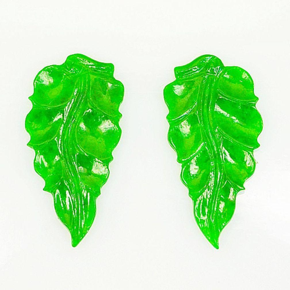 Резные фигуроки из зеленого нефрита