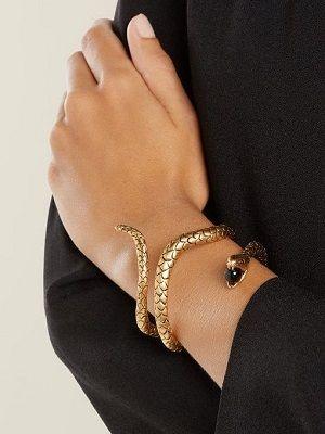 Браслет-змея: что символизирует и кому подходит