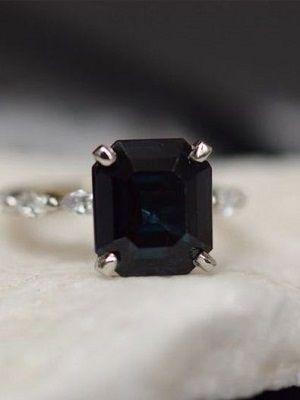 Черный сапфир: описание и свойства камня