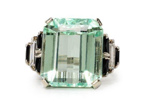 Кольцо с гидденитом цвета зеленой морской пены