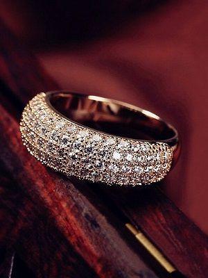 кольцо с инкрустацией