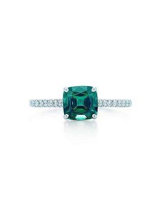 кольцо с зеленым алмазом