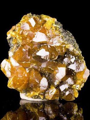 фото желтого камня