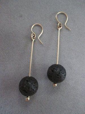 серьги с черными камнями