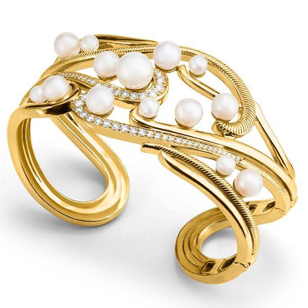 Браслет-манжета Shima из желтого золота с пресноводным жемчугом и бриллиантами