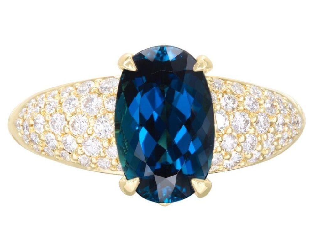 Некоторые бразильские индиколиты имеют интенсивный цвет, известный как «Mutaca blue»