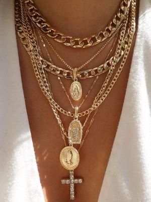 золотые украшения на шею