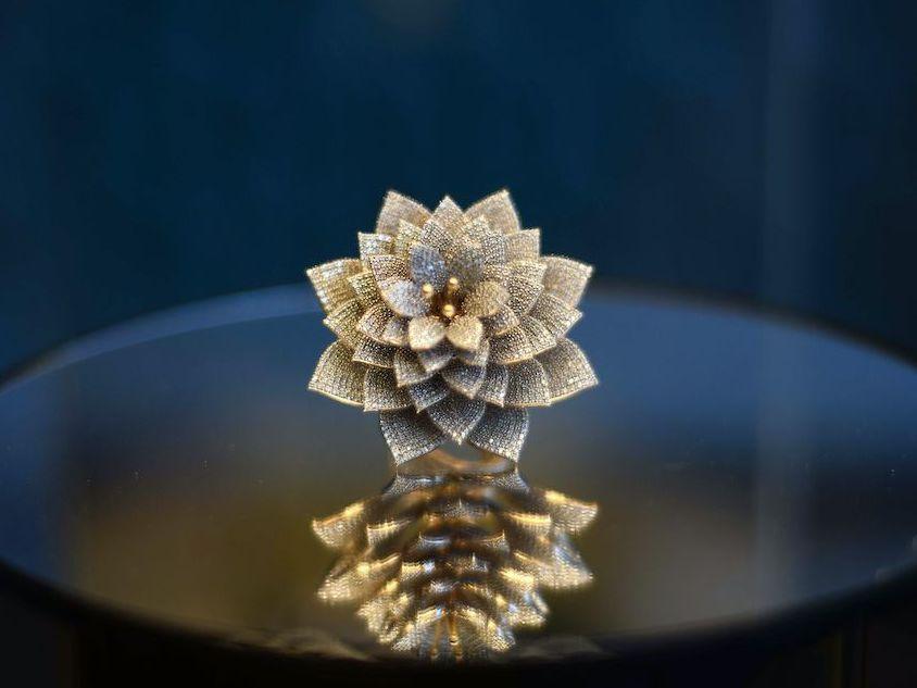 Украшение «Цветок календулы – кольцо процветания»