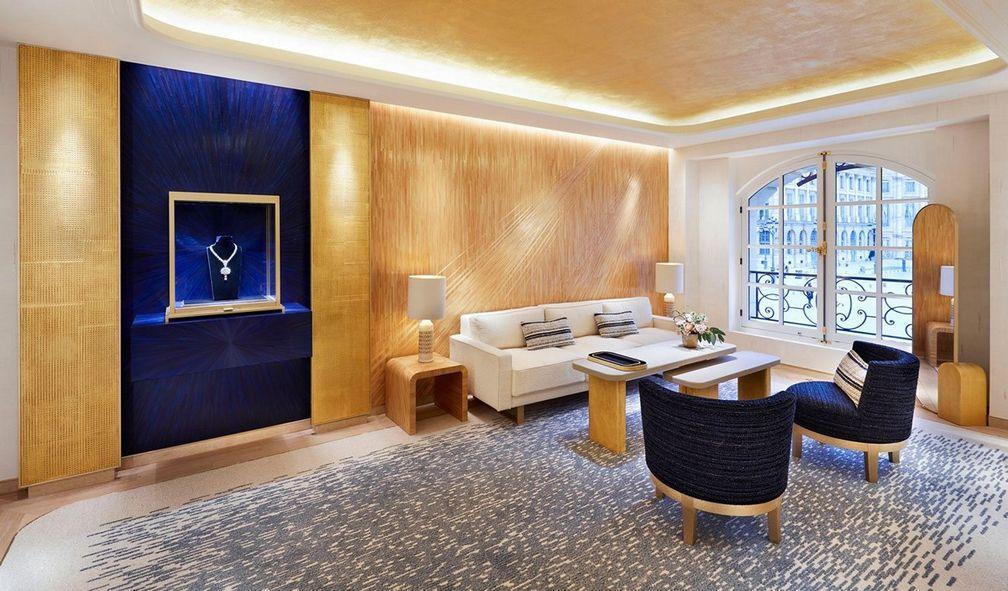 Salon des Joyaux посвящен презентации ювелирных изделий и выполнению специальных заказов