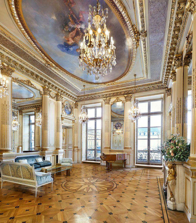 Salon Chopin – исторический памятник. Именно здесь Шопен сочинил свою последнюю мазурку