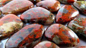 Яшма: свойства и разновидности камня, украшения с яшмой