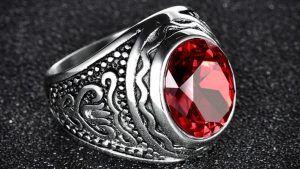 Камень гиацинт: свойства и ювелирное применение