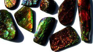Аммолит: происхождение минерала и его применение