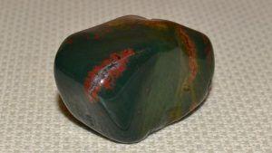 Неординарный гелиотроп: свойства и применение камня в ювелирном деле