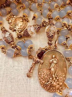 Ювелирные украшения религиозной тематики
