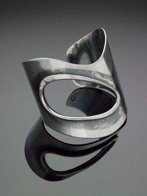 Кольцо в стиле хай-тек