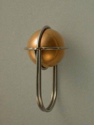 Кольцо-скрепка с золотым шариком Даниеля Шике