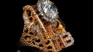 Кольцо Elvis TCB продано на аукционе за 400 тысяч долларов