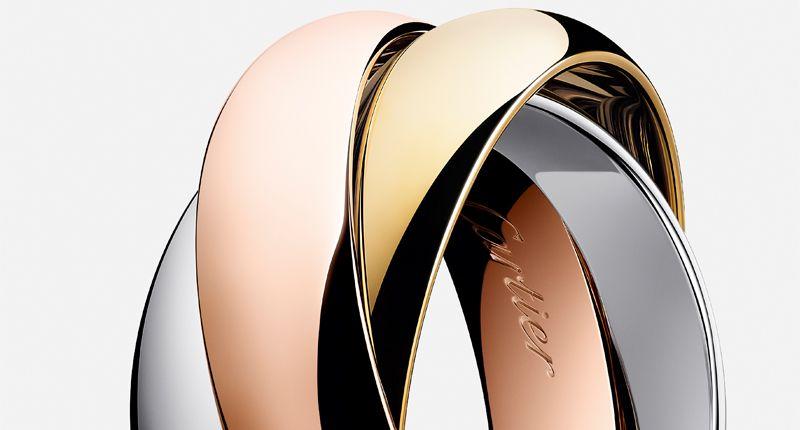 В новой маркетинговой кампании Cartier подчеркиваются его самые знаковые произведения. Как и в дизайне, акцент делается на минимализме. На фото – крупный план кольца Trinity